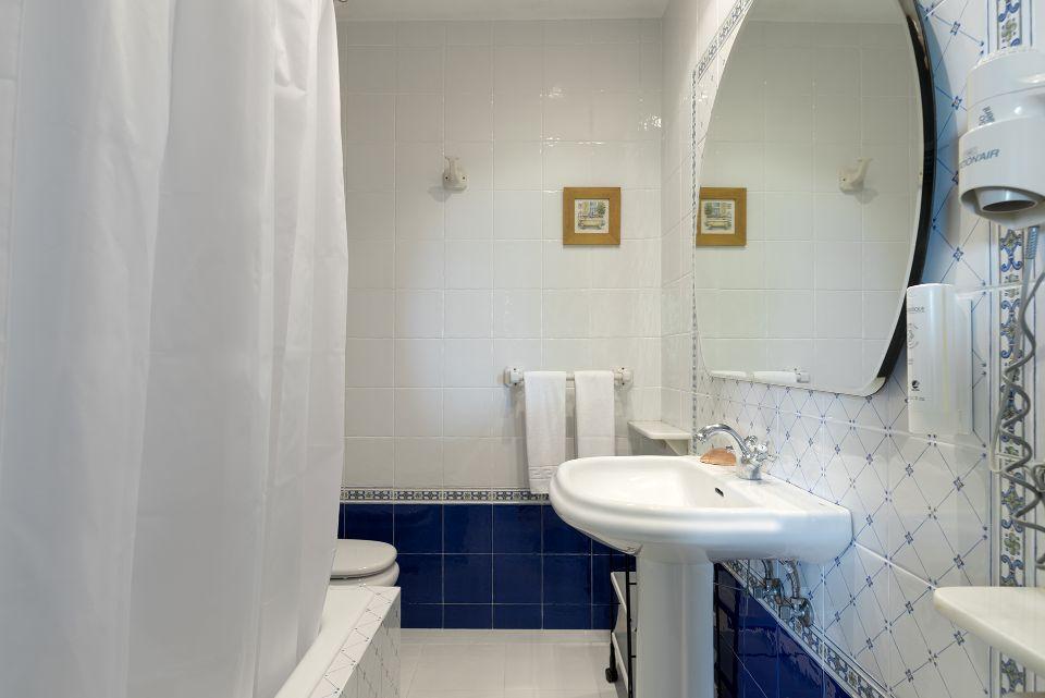 Baño de Habitación del Hotel Hontoria